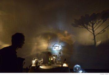 "Flop Lefebvre - spectacle ""Dal vivo"". Ombres, projections et machineries artisanales."
